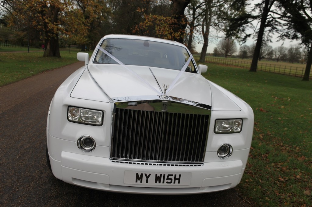 5 Reasons to Hire a White Phantom for your Wedding